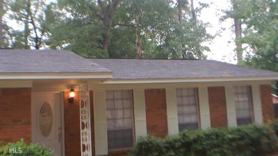 Columbus Single Family Home Under Contract: 409 Oakley Dr