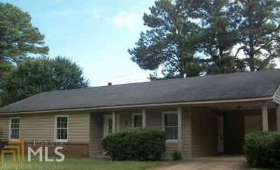 Conyers Single Family Home Under Contract: 565 Dove Tail