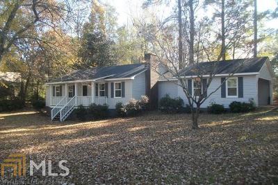 Cornelia Single Family Home For Sale: 220 Wildwood Rd