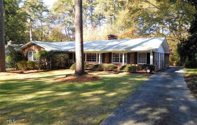 Single Family Home Under Contract: 853 Wesley Dr