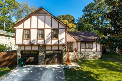 Stone Mountain Single Family Home For Sale: 417 Rockborough Ter
