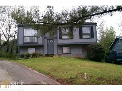 Stone Mountain Single Family Home For Sale: 4976 Isle Royal Ct #86