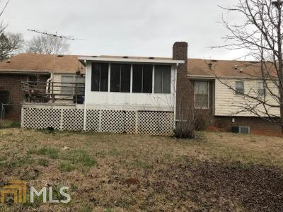 Conyers Single Family Home Under Contract: 3882 Setters Trl