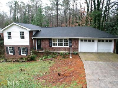 Roswell Single Family Home For Sale: 257 Valley Ridge Dr