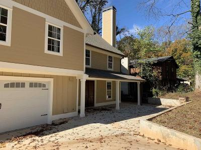 Norcross Single Family Home For Sale: 692 Pebble Creek Dr