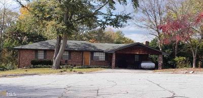 Conyers Single Family Home Under Contract: 924 Dove Ct