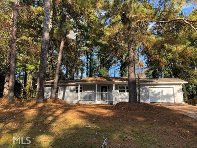 Stone Mountain Single Family Home For Sale: 2936 Deshong Dr