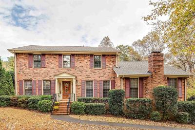 Roswell Single Family Home For Sale: 11705 Northgate Trl
