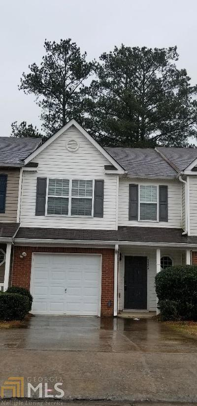 Clayton County Condo/Townhouse For Sale: 5324 Creekview Ln