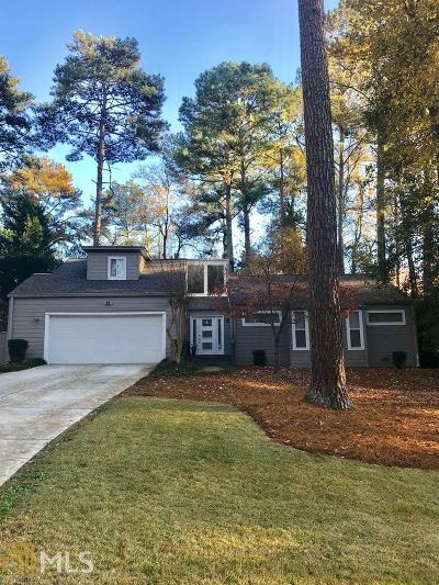 Roswell Single Family Home Contingent With Kickout: 230 Trailmore Ct