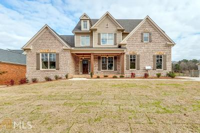 Woodstock Single Family Home For Sale: 223 Waters Lake Dr