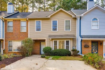 Kennesaw Condo/Townhouse Under Contract: 1304 Shiloh Ter