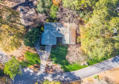 Single Family Home Under Contract: 332 Greenfield Ct