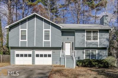 Roswell Single Family Home Under Contract: 720 Lake Forest Pass