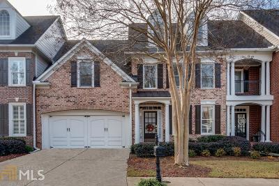 Roswell Condo/Townhouse For Sale: 3504 Village Green Dr