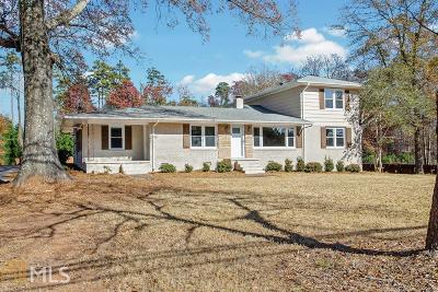 Cobb County Single Family Home New: 2200 Burnt Hickory Rd