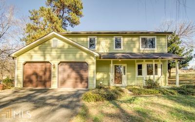 Marietta Single Family Home Under Contract: 4050 Keheley Glen Dr