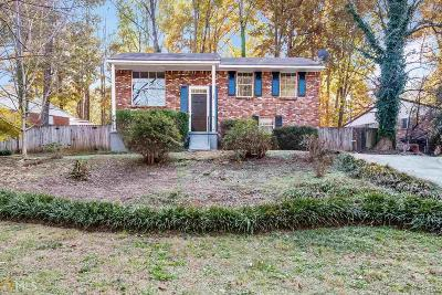 Marietta Single Family Home Under Contract: 186 Longleaf Dr