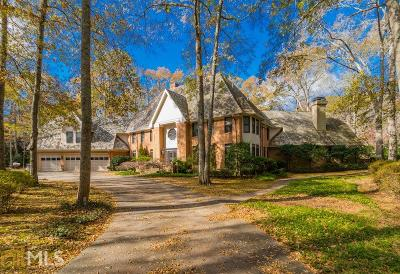 Roswell, Sandy Springs Single Family Home For Sale: 210 Riverland Ct