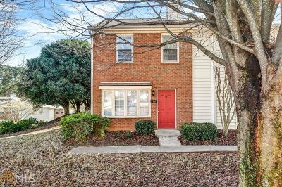 Roswell Condo/Townhouse For Sale: 200 Mill Creek Pl