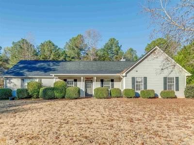 Locust Grove Single Family Home For Sale: 129 Old Stonewall Dr