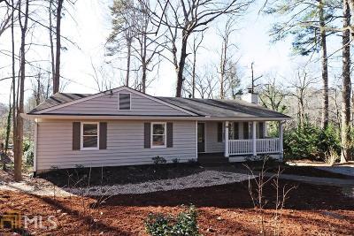 Roswell Single Family Home For Sale: 119 Cedar St