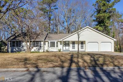 Kennesaw Single Family Home For Sale: 2898 Country Ln