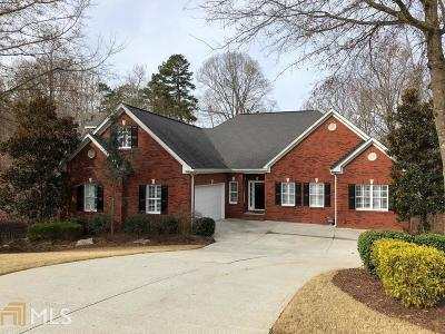 Buford Single Family Home For Sale: 5702 Waterfall Way
