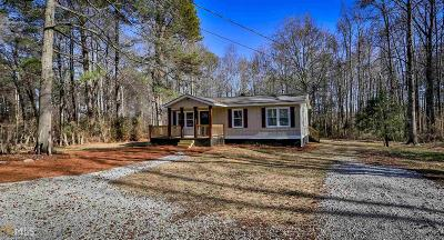Loganville Single Family Home For Sale: 2401 Highway 81