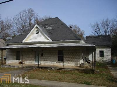 Barnesville Single Family Home For Sale: 225 Atlanta St
