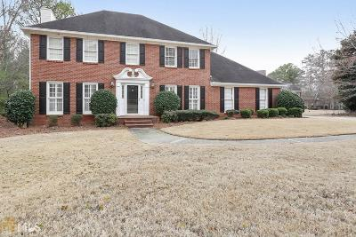 Johns Creek Single Family Home For Sale: 140 West Ct