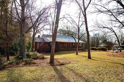 Locust Grove Single Family Home For Sale: 11 Woodland Dr