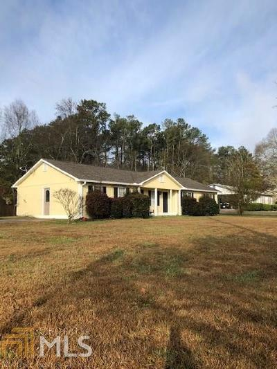 Powder Springs Single Family Home Contingent With Kickout: 4620 Gaydon