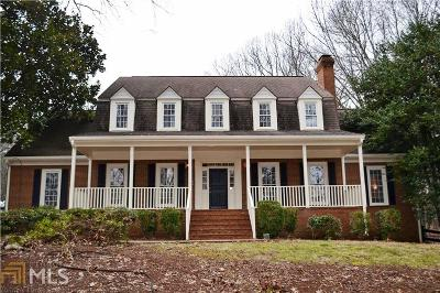 Powder Springs Single Family Home For Sale: 490 Mayes Rd