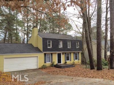 Roswell Single Family Home For Sale: 9860 N Pond Cir
