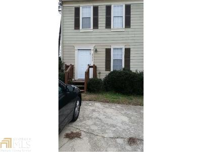 Lithonia Condo/Townhouse For Sale: 2032 Charter Ln