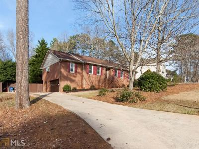 Douglasville Single Family Home Under Contract: 6835 Creekwood Dr