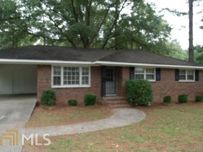 Butts County Single Family Home New: 684 Hillcrest Dr