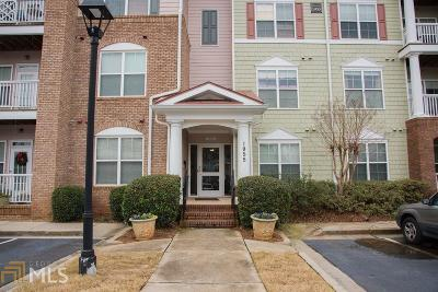 Alpharetta Condo/Townhouse For Sale: 1955 Nocturne Dr #3207