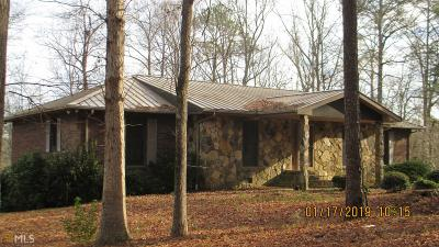 Hamilton Single Family Home Under Contract: 2071 Calhoun Rd