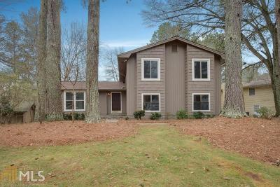Roswell Single Family Home Under Contract: 355 Soft Pine Trl