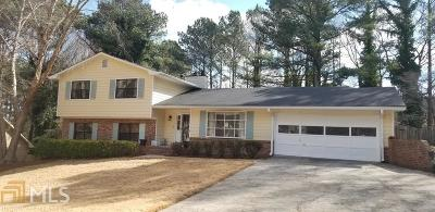 Snellville Single Family Home Under Contract: 4402 Shiloh Hills Dr