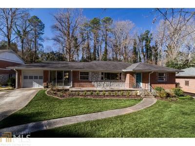 Decatur Single Family Home Under Contract: 374 W Parkwood Rd