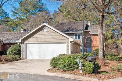 Roswell Single Family Home For Sale: 2690 Camden Glen Ct
