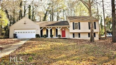 Snellville Single Family Home For Sale: 2864 Creekwood Dr