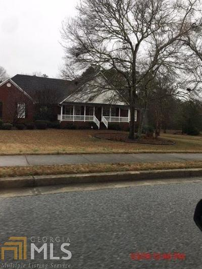 Loganville Single Family Home For Sale: 2408 Manor Way