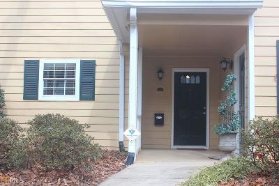 Marietta, Smyrna Condo/Townhouse For Sale: 3920 Riverlook Pkwy #206