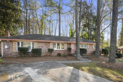 Stone Mountain Single Family Home For Sale: 3909 Castle Tree Ct