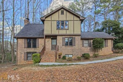 Snellville Single Family Home For Sale: 2204 Valley Creek Cir