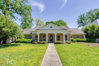 Single Family Home For Sale: 250 Little John Trl